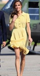 La Reine ne voulait plus de ce type de tenue légère...