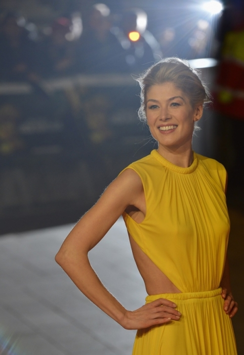 gone-girl-Rosamund_Pike