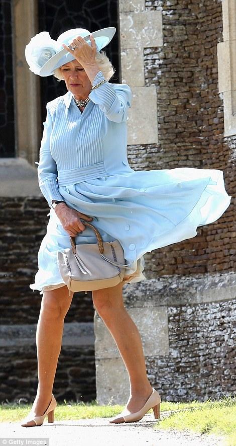 camilla-robe