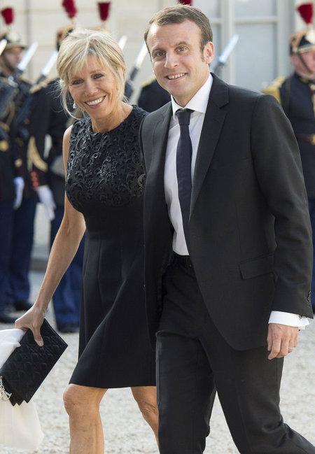 Emmanuel Macron Wedding.Eng People Emmanuel And Brigitte Macron A French Romance L