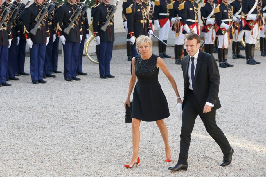 Emmanuel Macron et sa femme Brigitte Trogneux - Le roi Felipe VI et la reine Letizia d'Espagne, reçus par François Hollande, président de la République française, pour un dîner d' Etat au Palais de l'Elysée à Paris le 2 juin 2015.