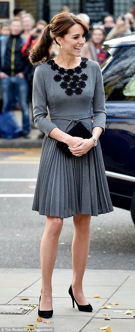 kate-robe grise