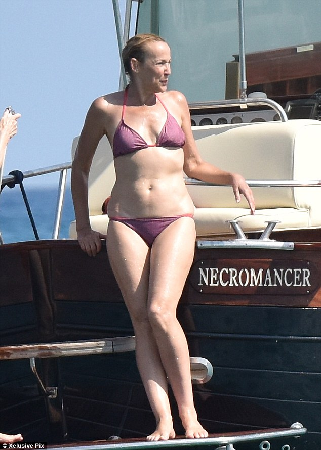 murdoch-hall-bikini