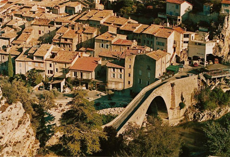 nyons-roman-bridge
