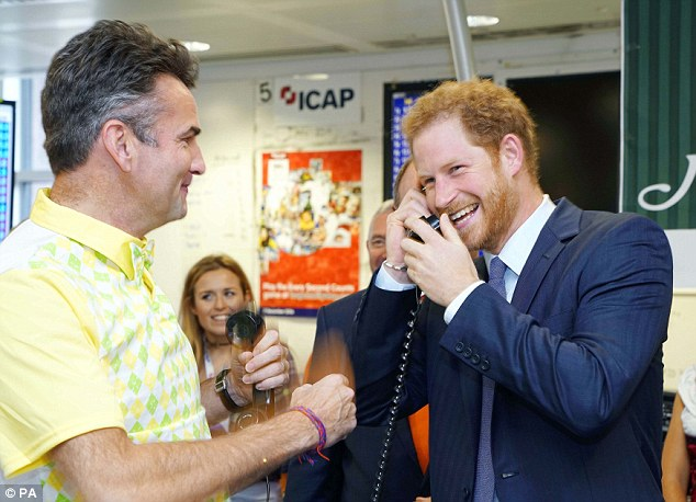 harry-telephone